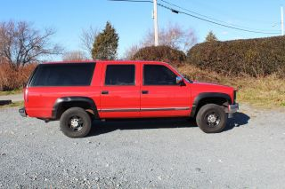 1992 Chevrolet K2500 Suburban Silverado Sport Utility 4 - Door 5.  7l photo