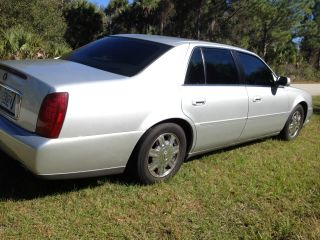 2000 Cadillac Deville Base Sedan 4 - Door photo