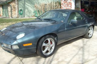 1987 Porsche 928 S4 Coupe 2 - Door 5.  0l photo