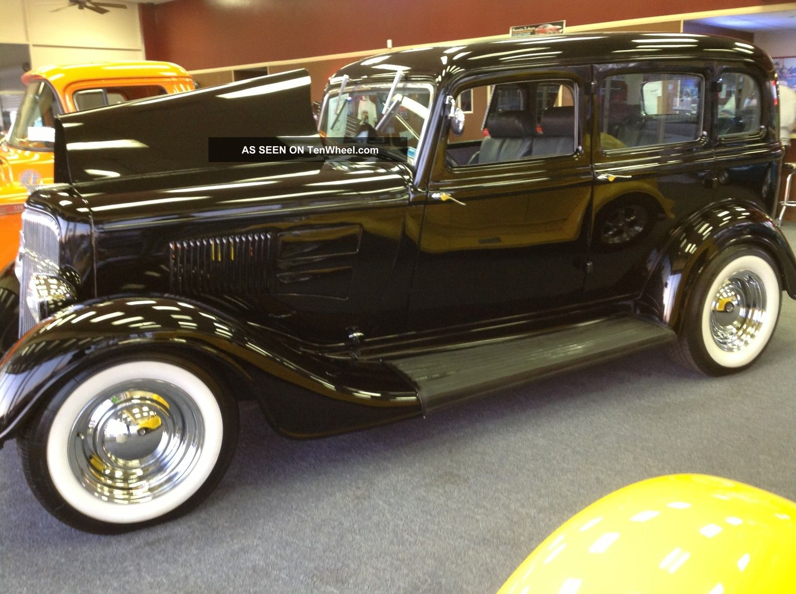 Classic 1934 plymouth sedan with suicide doors for 1934 plymouth 2 door sedan