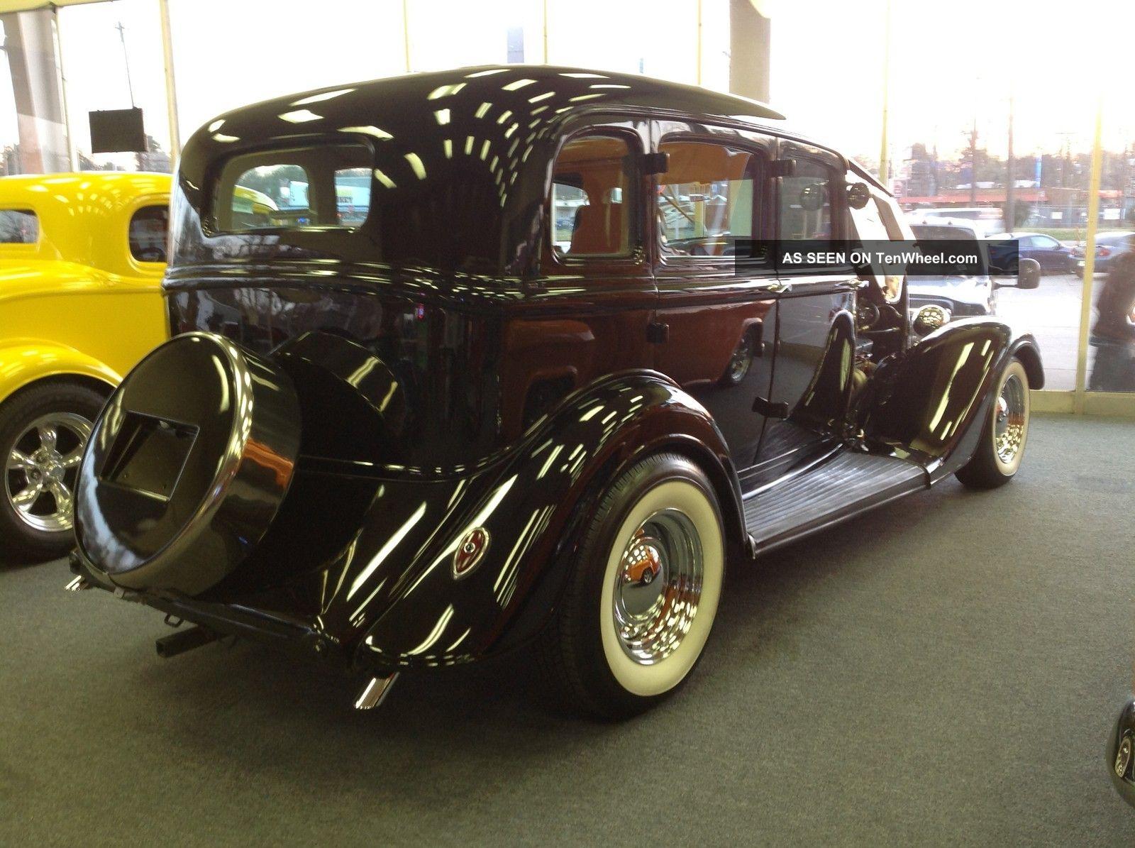Classic 1934 plymouth sedan with suicide doors for 1934 pontiac 4 door sedan