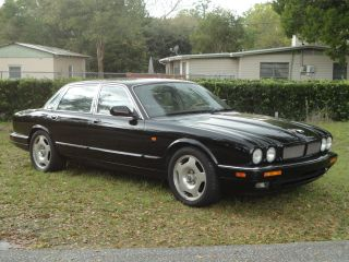 1995 Jaguar Xjr Base Sedan 4 - Door 4.  0l Black photo