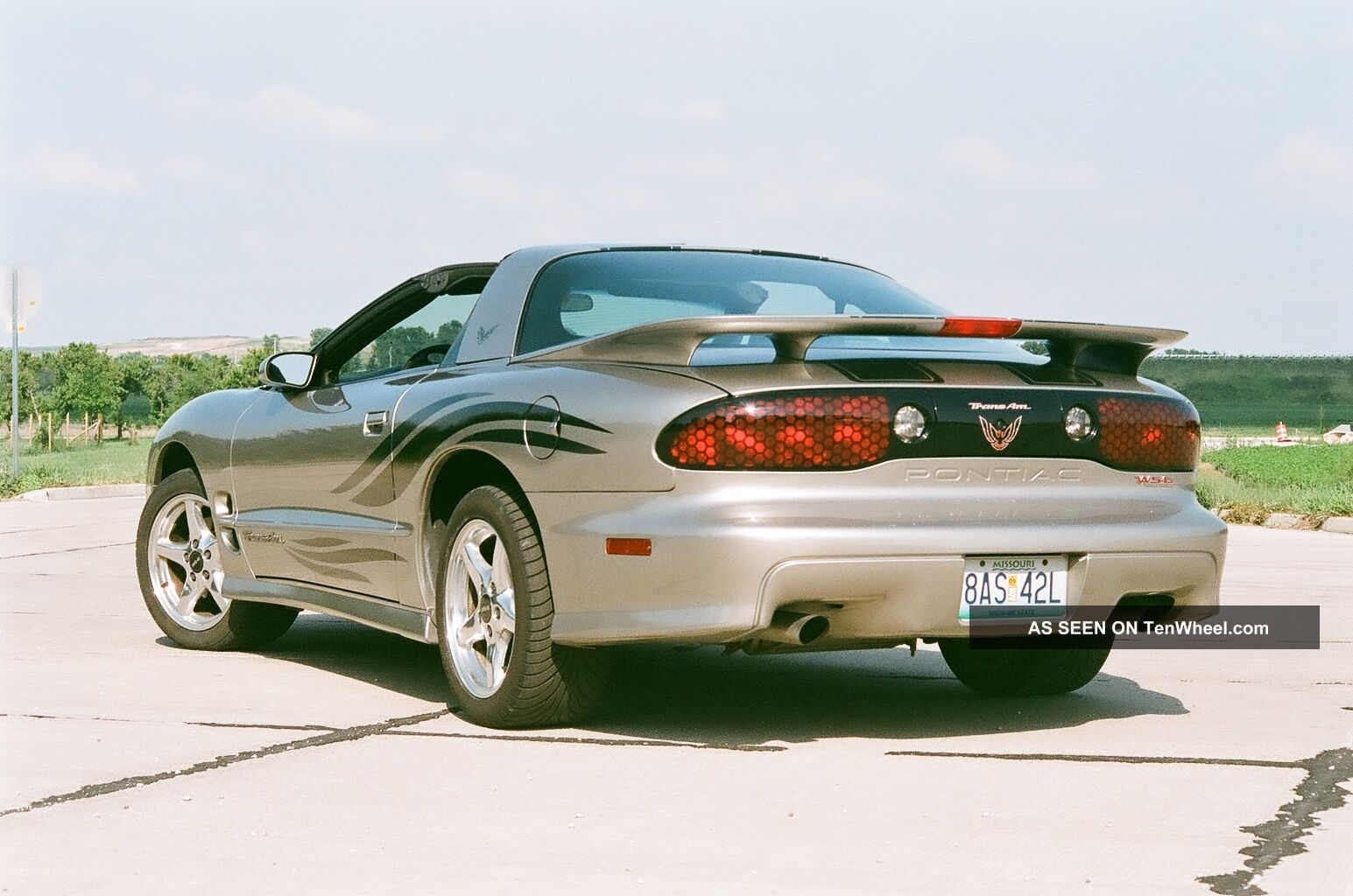 2001 Pontiac Firebird Trans Am Coupe 2 - Door 5.  7l Firebird photo