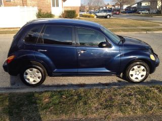 2005 Chrysler Pt Cruiser Classic Wagon 4 - Door 2.  4l photo