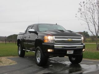 2009 Chevrolet Silverado Z71 Lifted 1500 Lt Crew Cab. .  Very photo