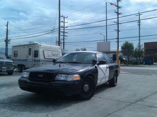 2007 Ford Crown Victoria Police Interceptor Sedan 4 - Door 4.  6l photo