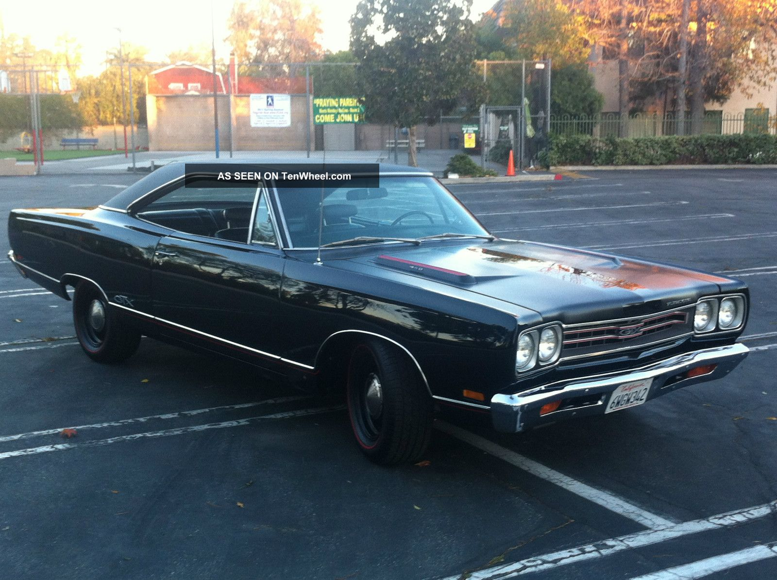 plymouth gtx matching   triple black
