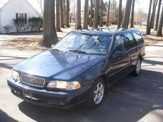 1998 Volvo V70 Turbo Wagon photo