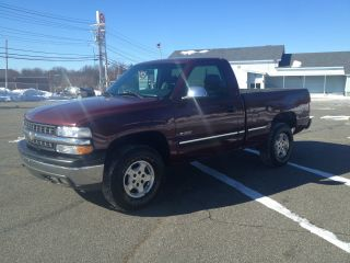 2002 Chevy Silverado 1500 4wd Short Box 30k photo
