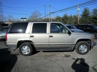 1999 Chevrolet Tahoe Lt And Needs A Mechanic. . . . . photo
