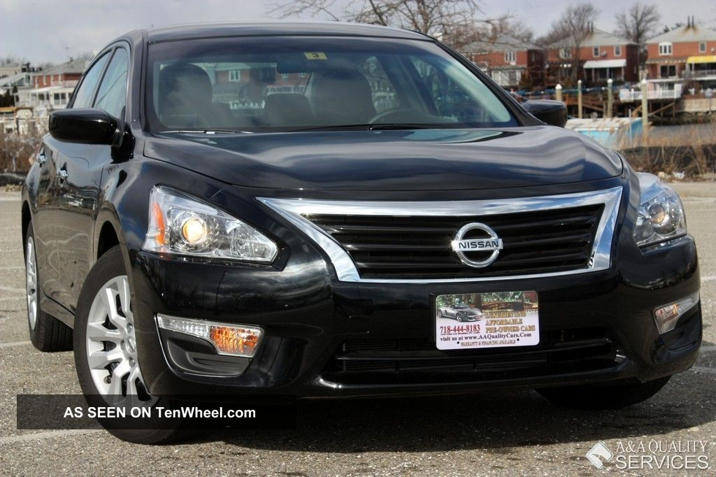 2013 Nissan Altima S 2.  5 Automatic Keyless Go Altima photo
