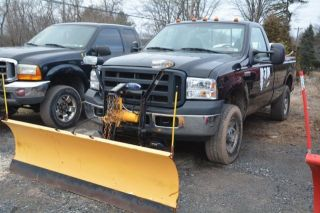 2006 Ford F - 350 Duty Xl Standard Cab Pickup 2 - Door 5.  4l photo