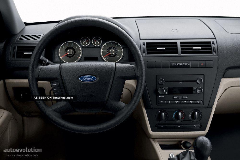 ford fusion se sedan  door
