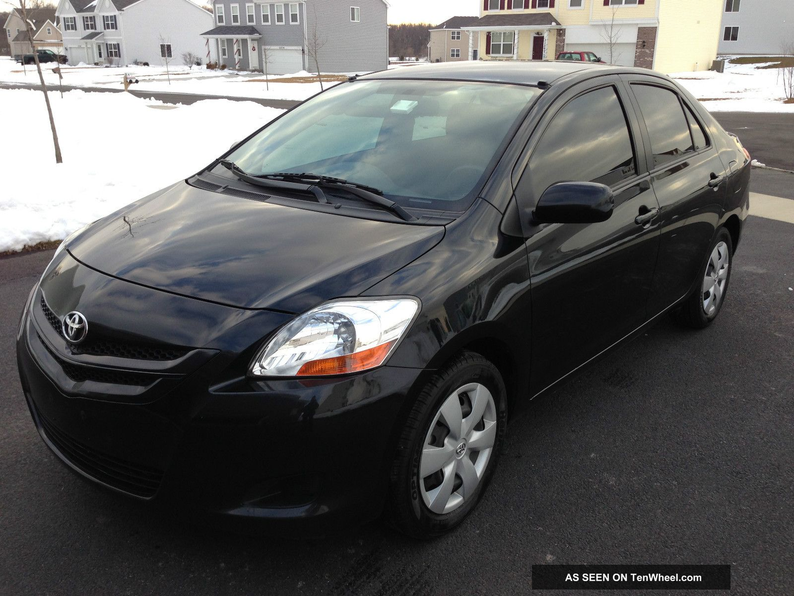 2008 toyota yaris sedan 4 door 1 5l dvd tinted windows tires. Black Bedroom Furniture Sets. Home Design Ideas
