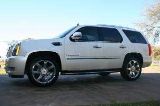 2009 Cadillac Escalade:,  22