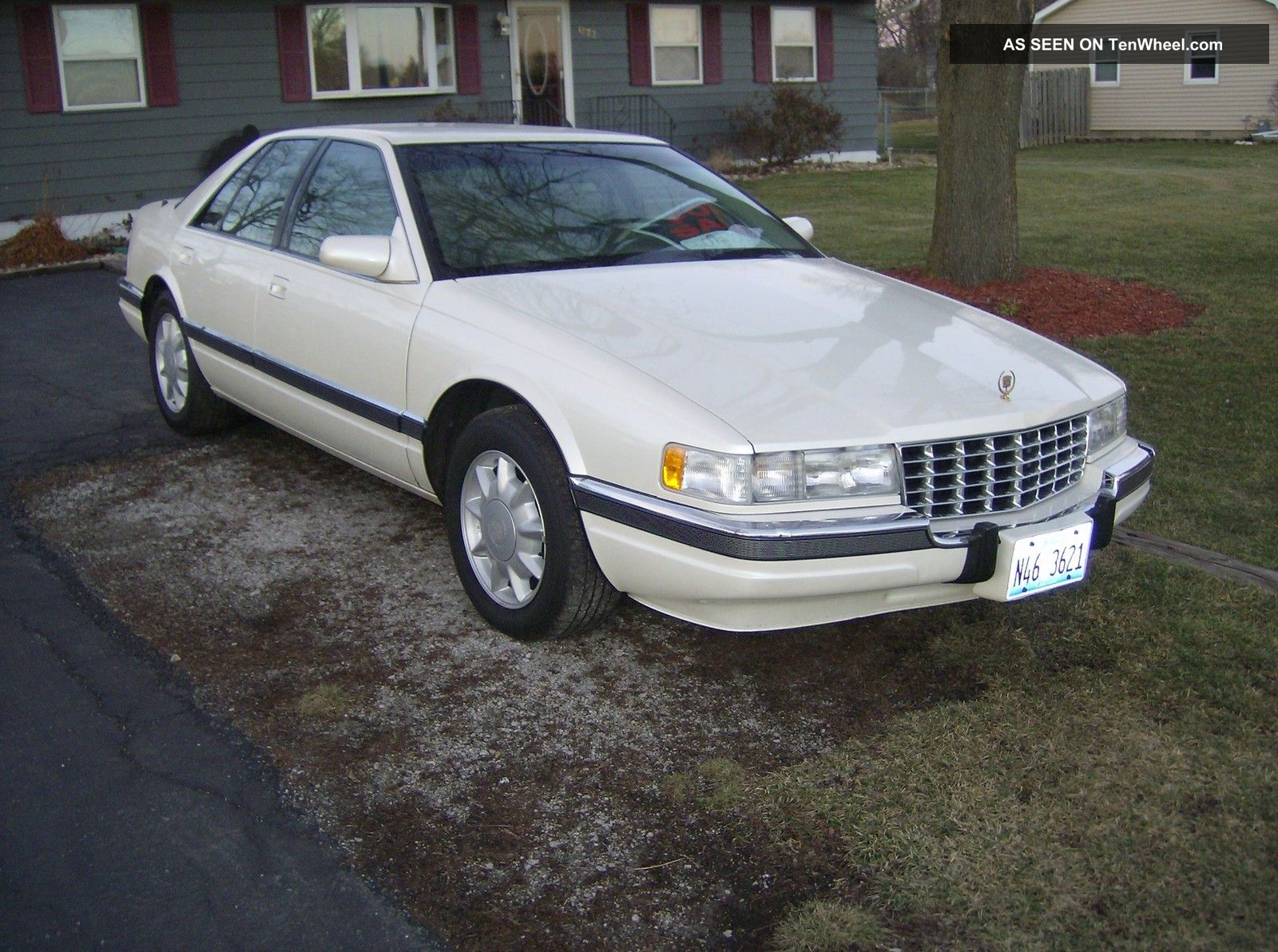 cadillac seville sls sedan  door