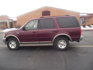 2000 Ford Expedition 5.  4 Liter photo
