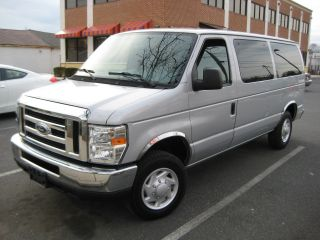 2008 Ford E - 150 Xlt 9 Pass Van V8 - 5.  4l,  Park Assist 97k Mi,  1 Md Owner photo
