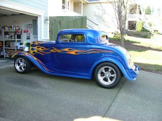 1932 Ford With Lt1 & 4l60e Drive Train And Ppg Corvette Blue Paint. photo