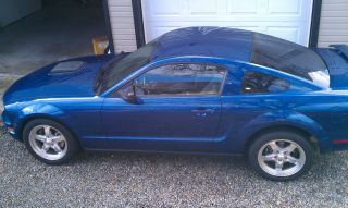 2006 Ford Mustang Coupe Blue Automatic Custom Stereo V6 Hood Scoop photo