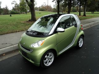 2012 Smart Fortwo Passion Coupe 2 - Door 1.  0l photo