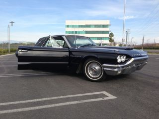1964 Ford Thunderbird Landau Sport Coupe - photo