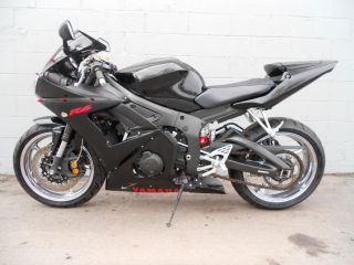 2005 Yamaha Yzf - R R6 Sport Bike With And Delivery Available photo