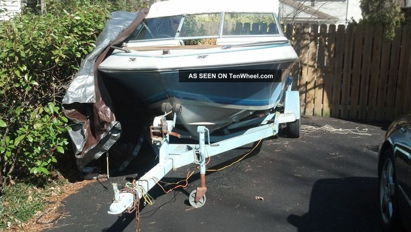 1987 Four Winns 160 Freedom Ski / Wakeboarding Boats photo