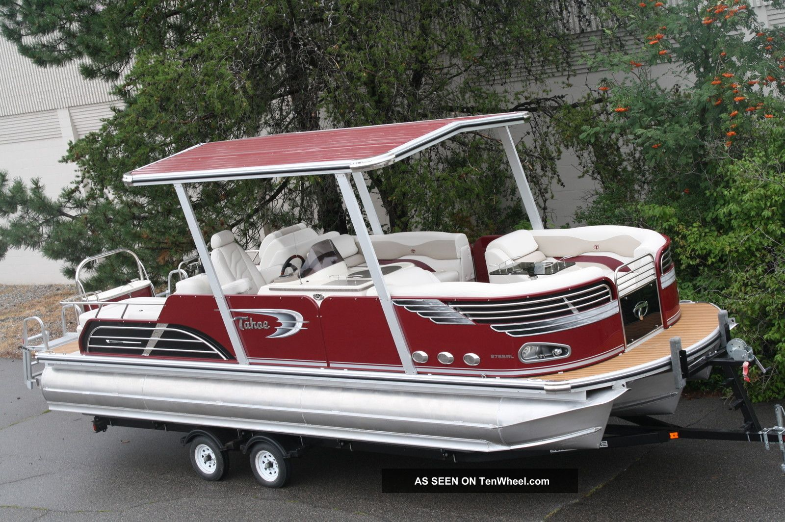 2011 Tahoe 27 Tahoe Vision Burg Pontoon / Deck Boats photo