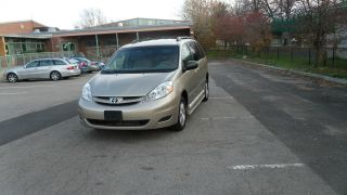 2006 Toyota Sienna Le Hp Braun Conversion Van With Ramp Handicap Wheel Chair Van photo