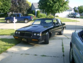 1986 Buick Regal Grand National Coupe 2 - Door 3.  8l photo