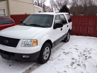 2004 Ford Expedition Xlt Sport Utility 4 - Door 5.  4l photo