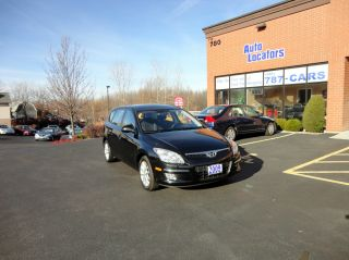 2009 Hyundai Elantra Touring Wagon 4 - Door 2.  0l photo