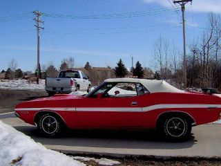 1970 Dodge Challenger R / T Convertible photo