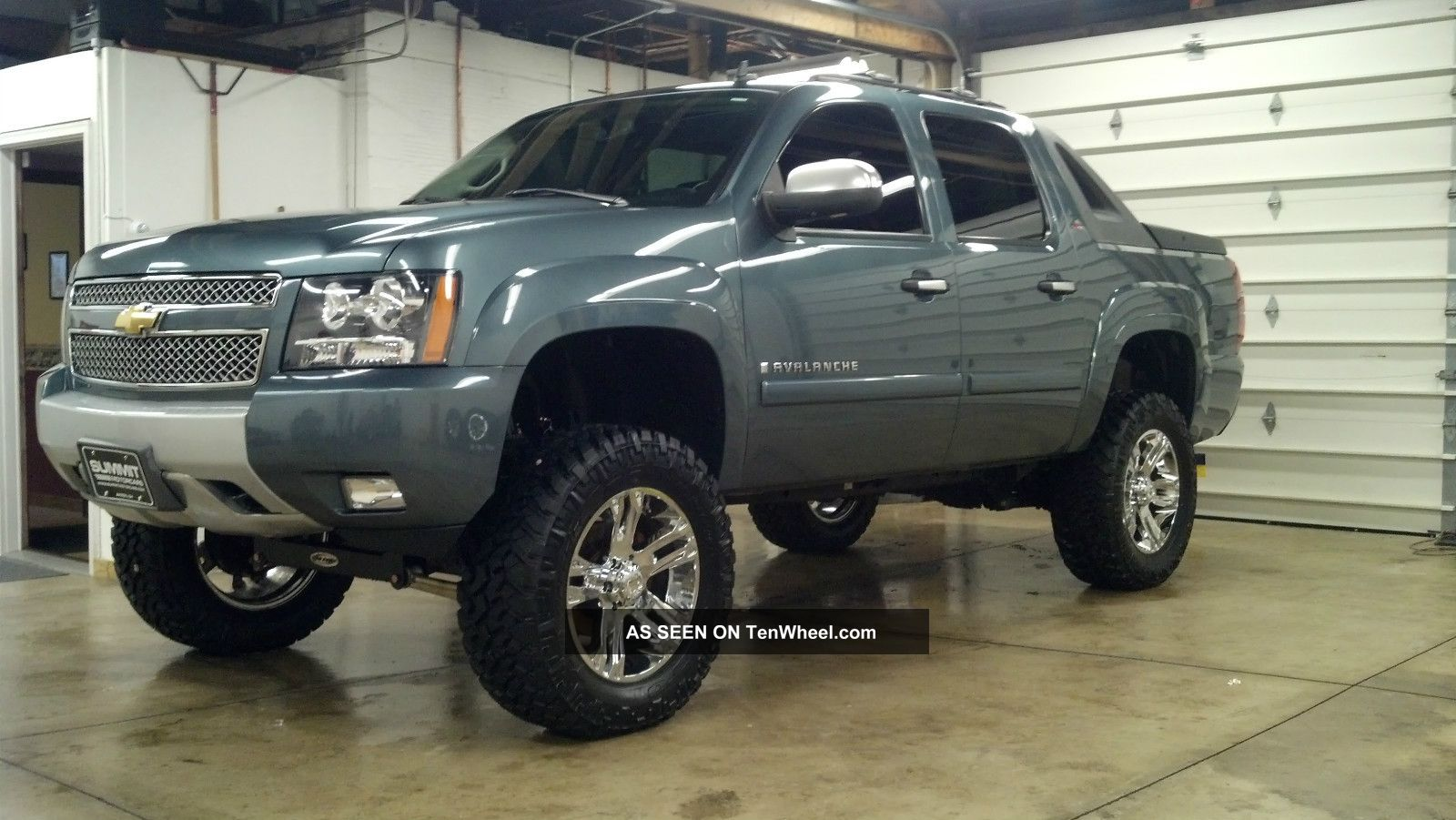 custom 2008 chevy avalanche. Black Bedroom Furniture Sets. Home Design Ideas