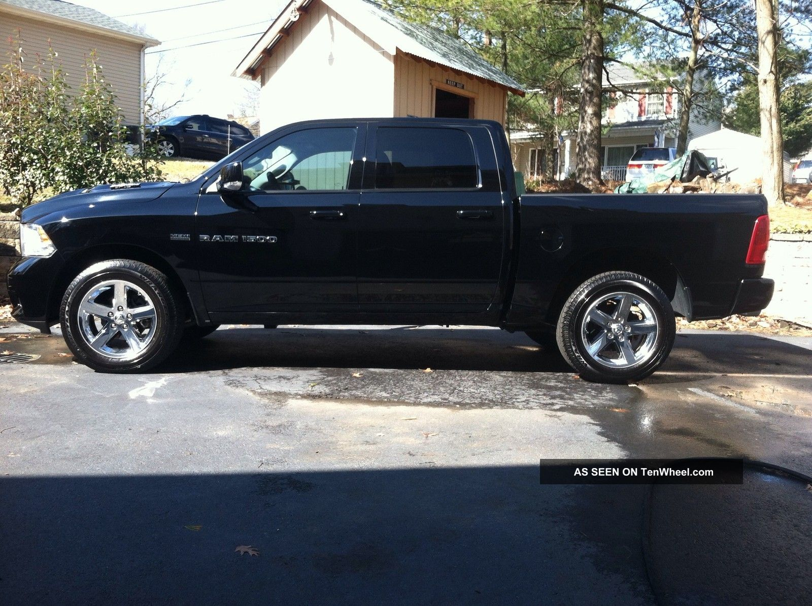 2012 dodge ram 1500 ram 1500 photo 9. Black Bedroom Furniture Sets. Home Design Ideas