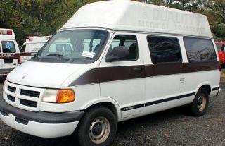 1998 Dodge B1500 Base Standard Passenger Van 3 - Door 5.  9lwheel Lhigh Top photo