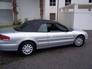 2006 Chrysler Sebring Base Convertible 2 - Door 2.  4l photo