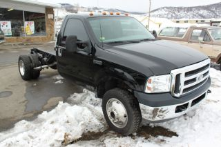 2002 Ford F - 550 Dually Black photo