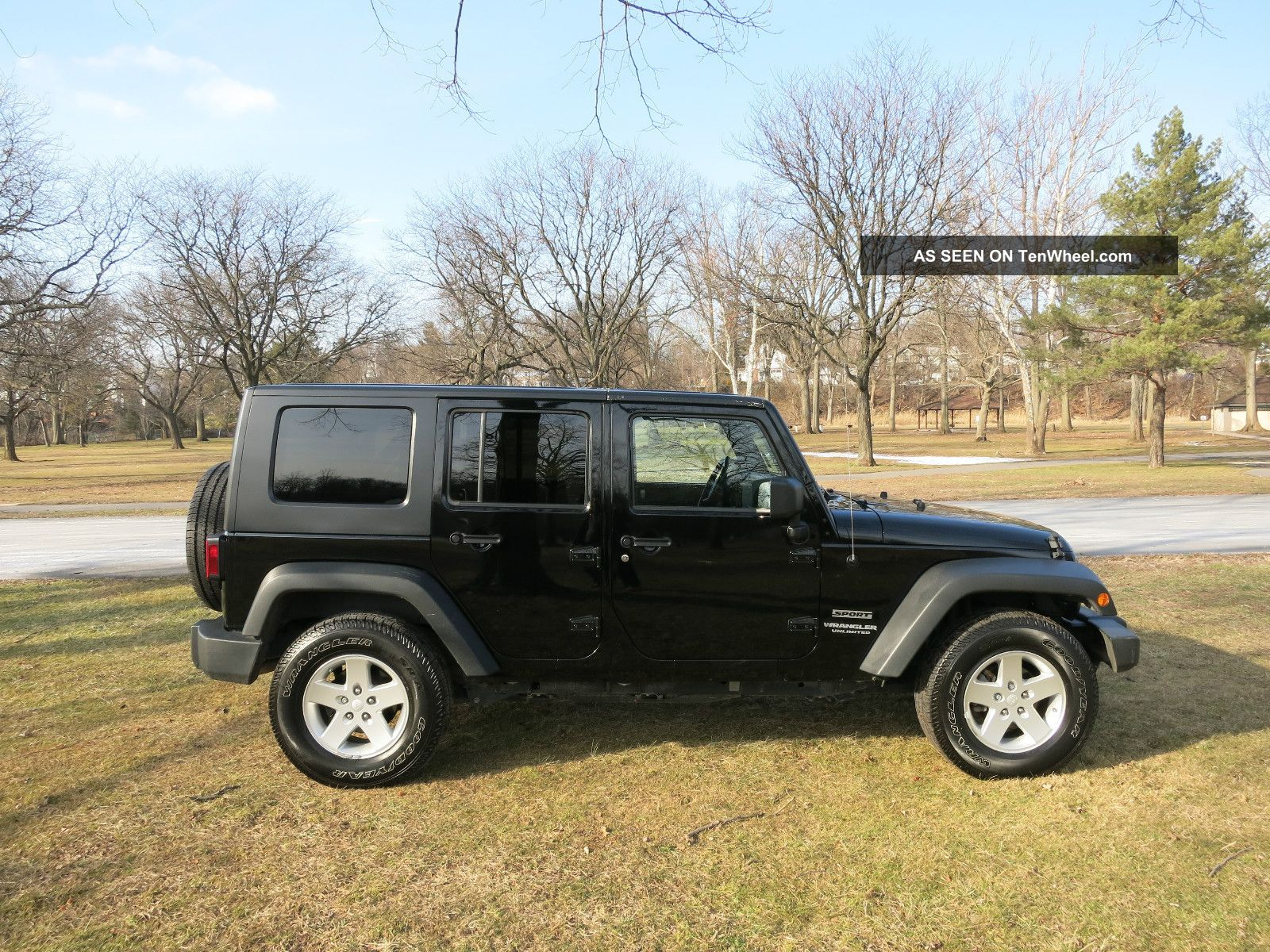 2010 jeep wrangler unlimited sport in hard top wrangler photo 3. Cars Review. Best American Auto & Cars Review