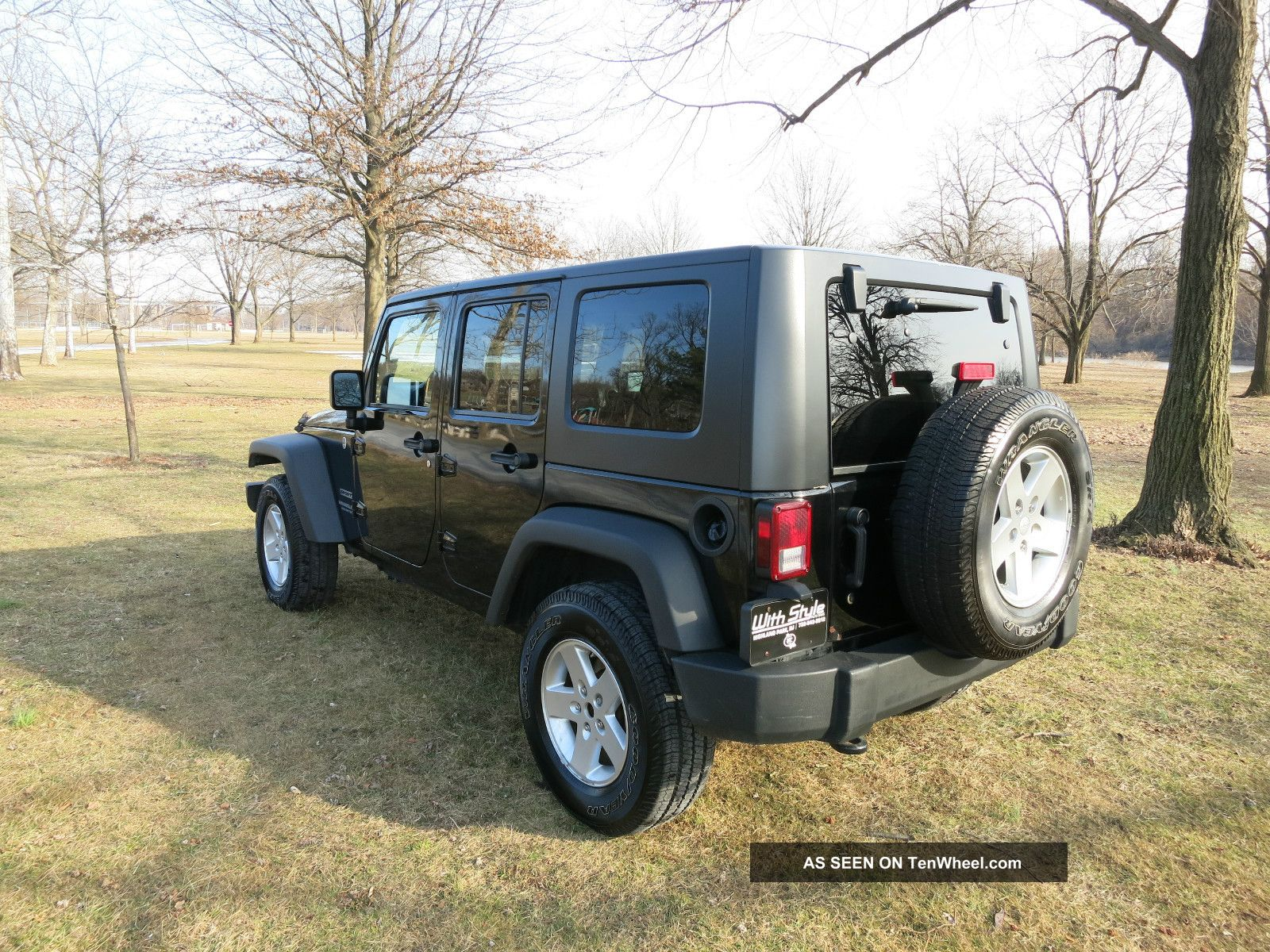 2010 jeep wrangler unlimited sport in hard top. Black Bedroom Furniture Sets. Home Design Ideas