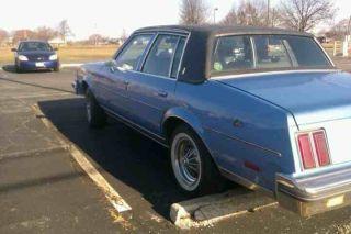 1985 Oldsmobile Cutlass Supreme photo