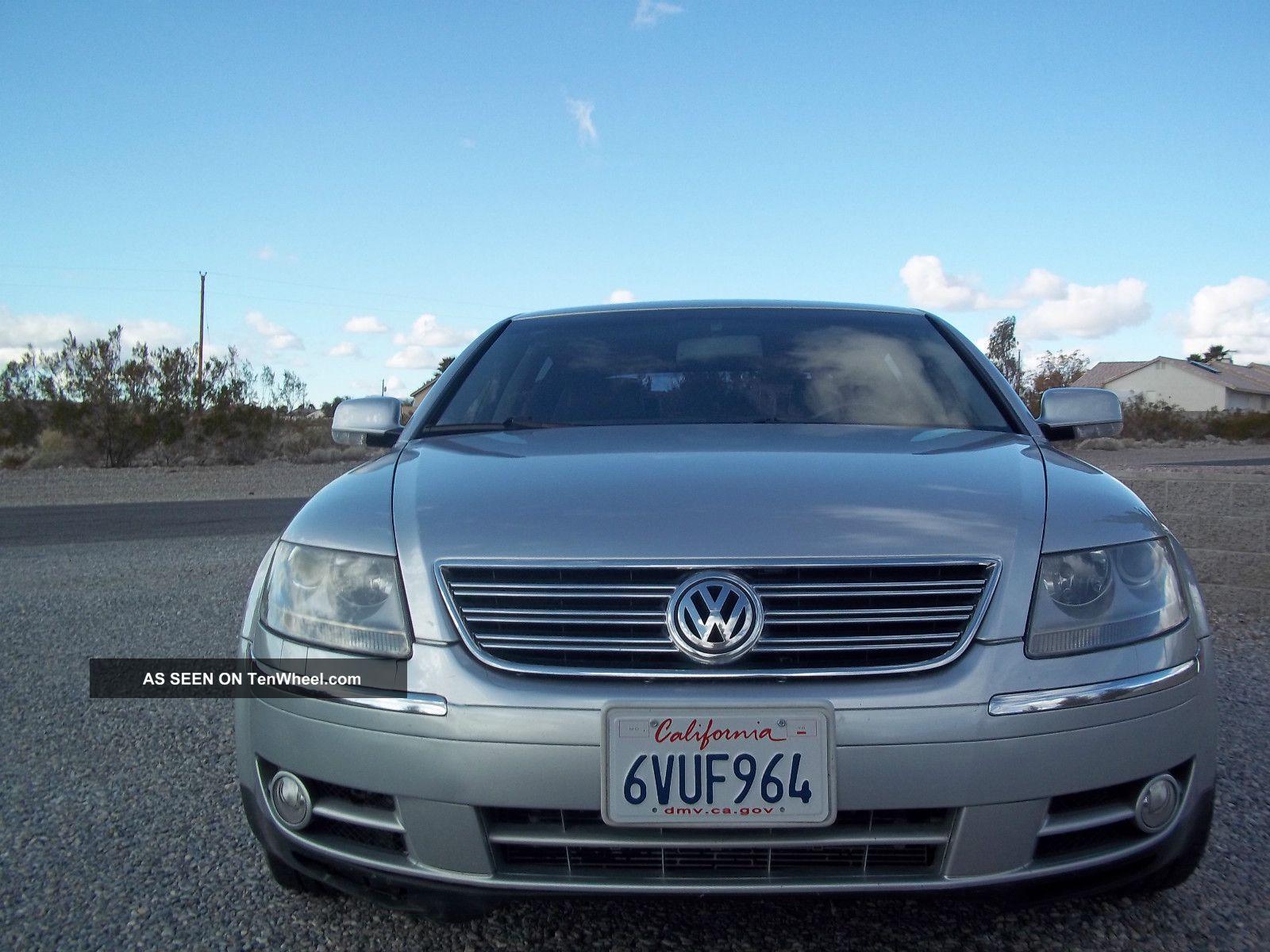 2004 Volkswagen Phaeton V8 Sedan 4 - Door 4.  2l Phaeton photo