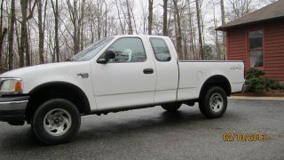 2002 Ford F - 150 Cab 4x4 Heritage 4.  6 V - 8 Well Maintained photo