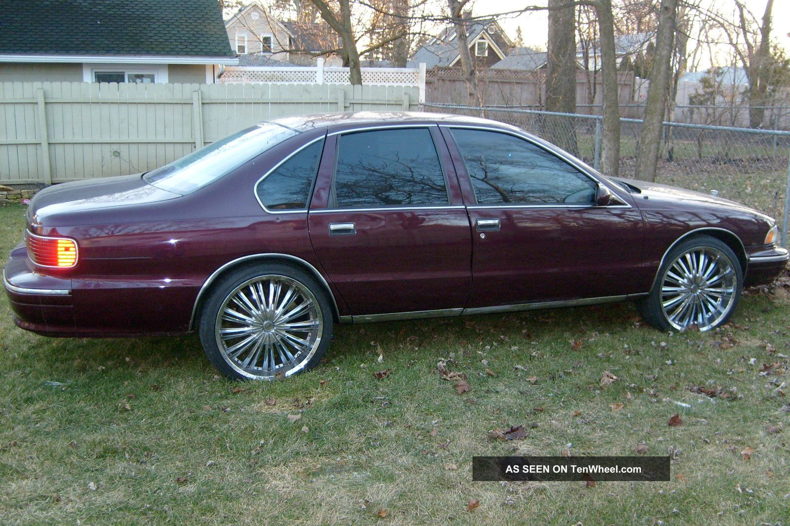 1996 Chevrolet Caprice Classic Sedan 4  Door 5. 7l Caprice photo