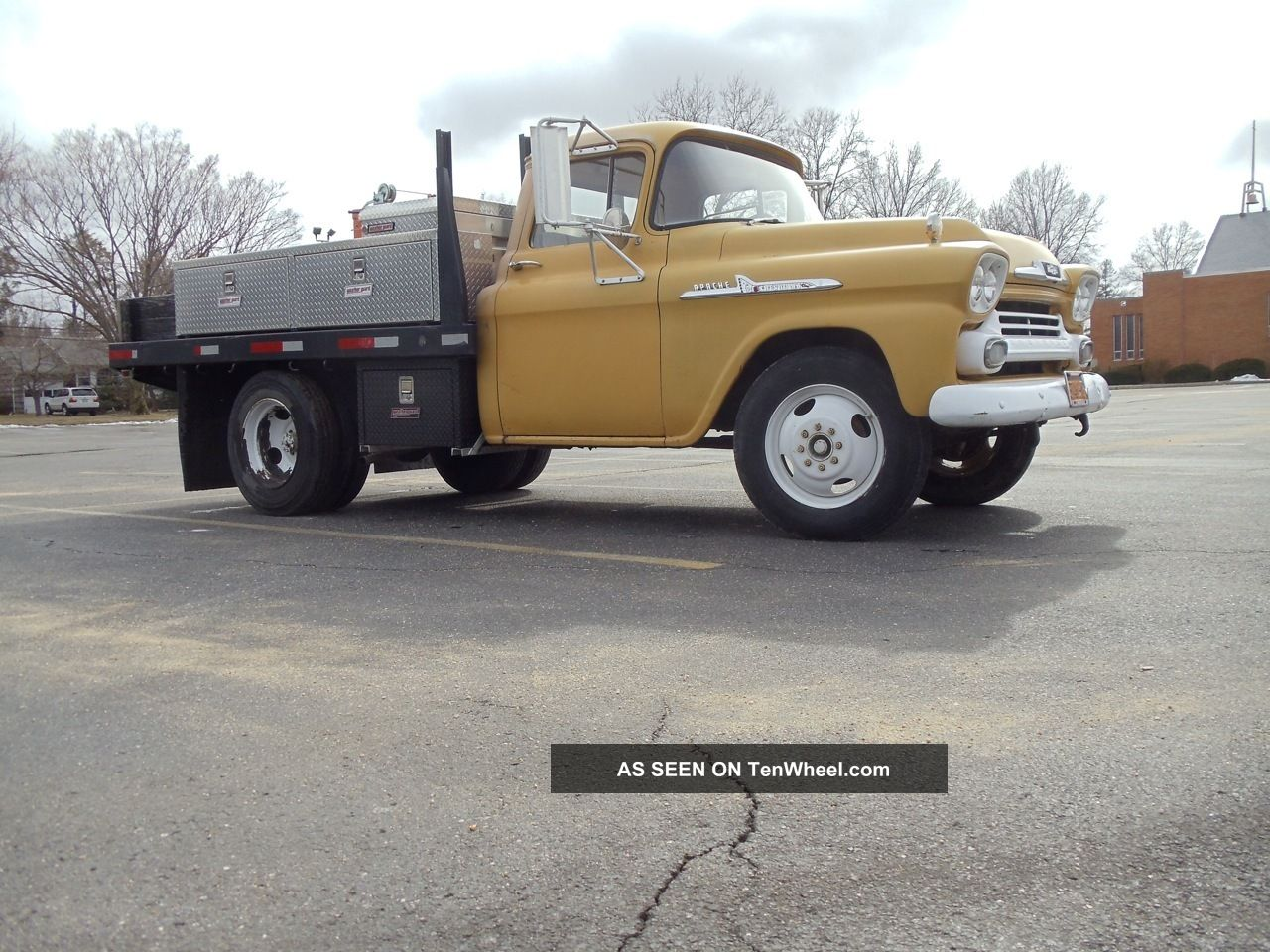 1958_chevy_1_ton_dually_3800_work__shop_truck_1_lgw.jpg