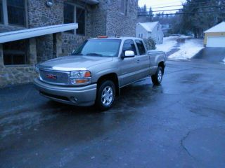 2002 Gmc Sierra Denali Ext Cab All Wheel Steering - Awd - - Fully Loaded photo