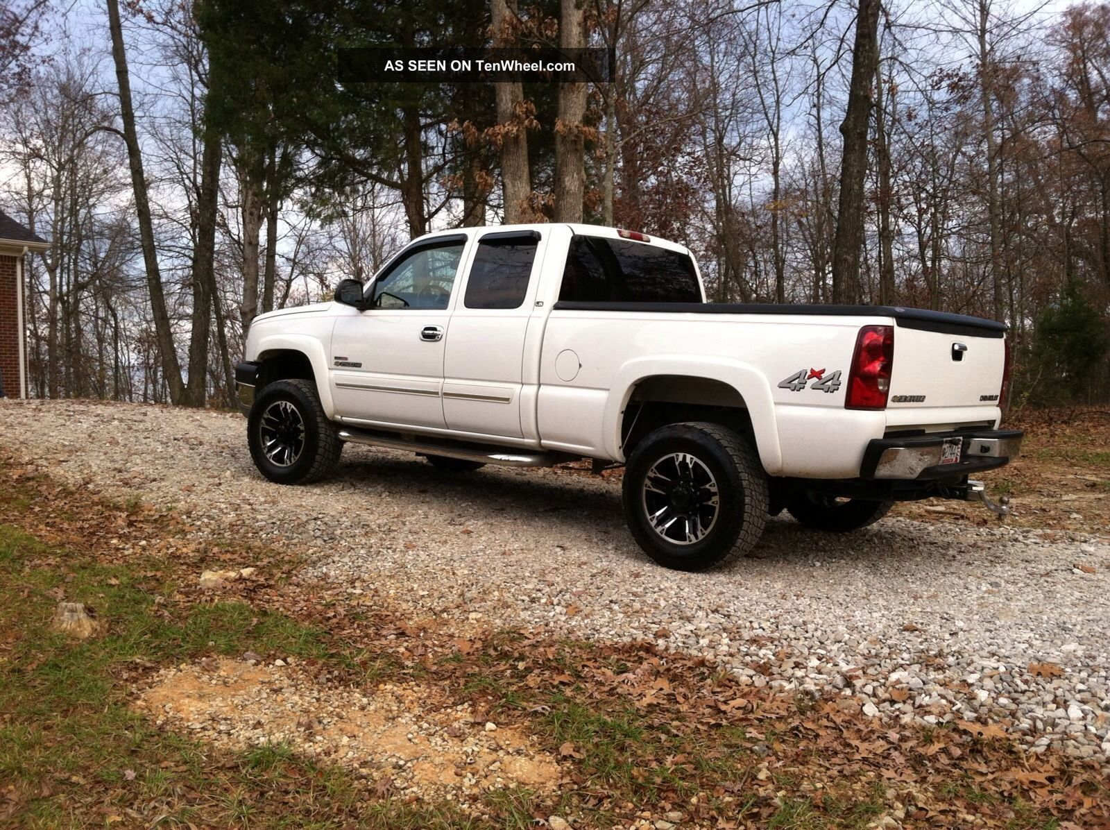2005 white chevrolet 2500hd duramax. Black Bedroom Furniture Sets. Home Design Ideas