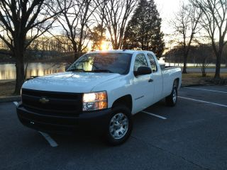 2008 Chevrolet Silverado 1500 Extended Cab Pickup 4 - Door 5.  3l V8 photo