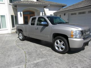 2007 Chevy Silverado 1500 Truck Short Bed photo